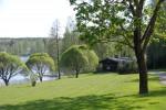 Savusauna ja idyllinen maisema.