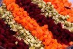 Rosollissa on punajuurta, porkkanaa ja kurkkua. Kuva: Anna-Reetta Nuorala