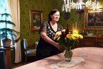 Meille on tärkeää, että vierailu Inkalan Kartanossa on aina lämminhenkinen elämys, viihtyisä hetki, jonka haluaa kokea uudelleen, Leila Ylitalo sanoo. Kuva: Tia Yliskylä