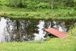 Karhunpesän saunasta voi pulahtaa uimaan lampeen. Kuva: Tia Yliskylä